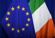 The national flag of Ireland next to the European flag © European Union, 2019