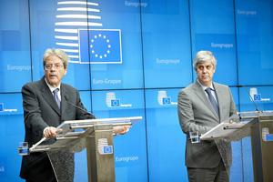 Mr Paolo GENTILONI, European Commissioner for Economy; Mr Mario CENTENO, President of the Eurogroup. © European Union, 2020