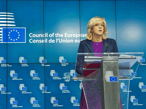 Commissioner Crețu marks important milestones to start the flow of EU regional investments