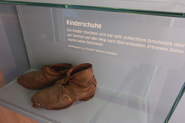 The exhibition in the Farmhouse-museum in Wolfegg shows the touching stories of the Swabian children in a multimedia display. ©The exhibition in the Farmhouse-museum in Wolfegg shows the touching stories of the Swabian children in a multimedia display.