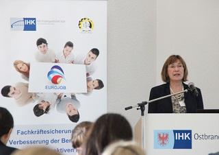 Presentation at a Eurojob event. ©Peter Wolffling
