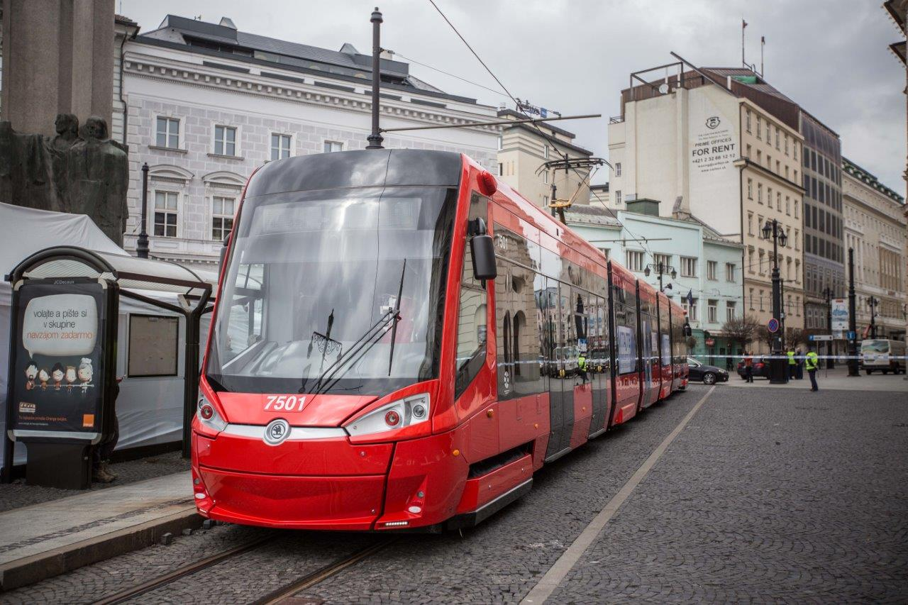 Renewal of Trams in Bratislava: one of the project's trams in operation. ©MDVRR SR, SITA