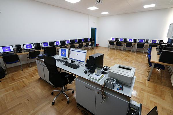 Computer room equipped under the project at Maritime High School, Zadar ©Juraj Bilić