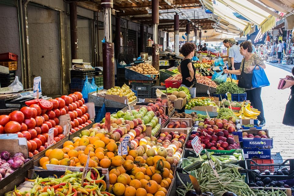 The Social Plate project distributed unsold produce from Thessaloniki's fruit and vegetable markets to the needy. ©Creative Commons
