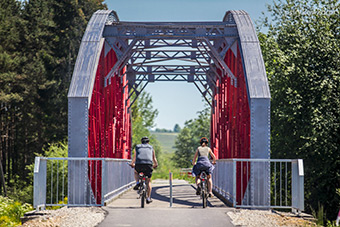 Poland and Slovakia have joined forces to construct 60 km of cycling paths and related infrastructure in the region around the Tatras mountains ©Tatras Cycling route