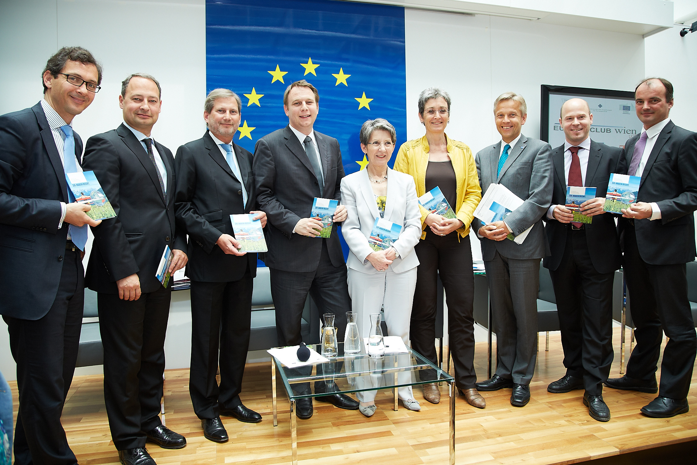 Commissioner Hahn discusses with citizens in Vienna and Linz on Europe's Day