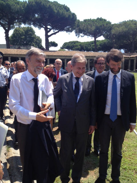 Commissioner Hahn in Pompeii signs Action Plan with Italy to preserve 'jewel of European cultural heritage' - UPDATE 1