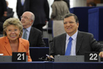 President Barroso and Vice-President Reding at the European Parliament © EU
