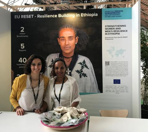 Immaculada GUIXE ANCHO and Tiruwork MOGES at the RESET stand, European Development Days, Brussels, June 2018 - @EU