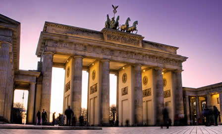 Berlin, Brandenburg Gate - © Jeremy Reddington, Shutterstock 2011